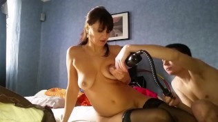 Tits of mature Alina Tumanova pulled over with rubber bands and spanked